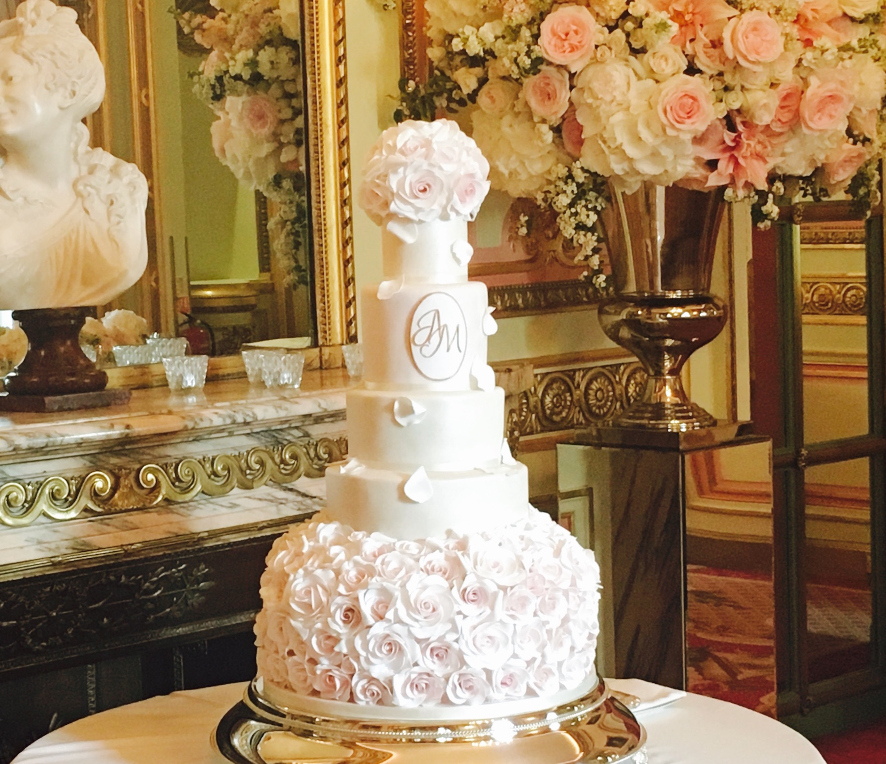 Hall of Cakes Luxury Wedding Cakes