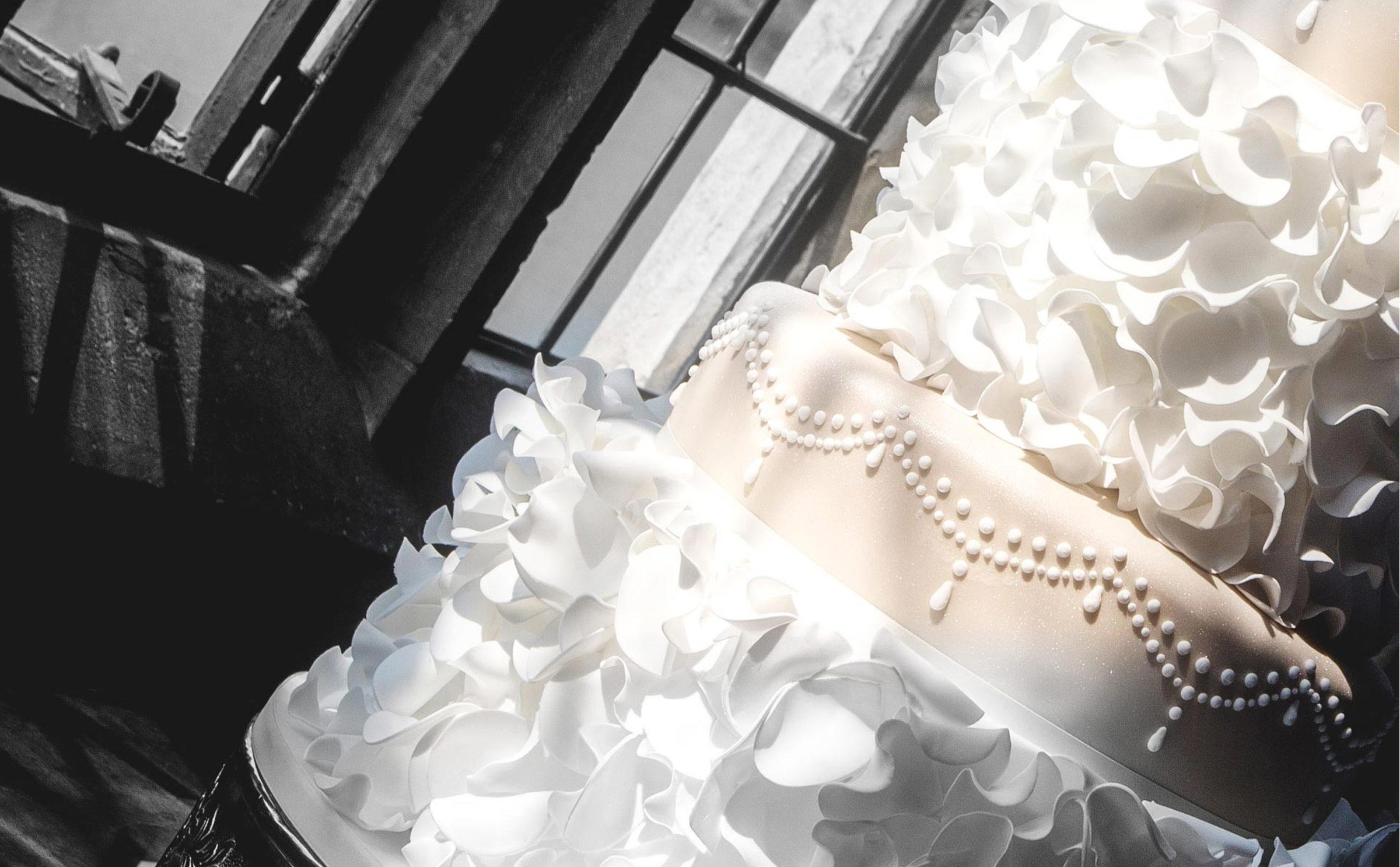 wedding cake close up & detailing