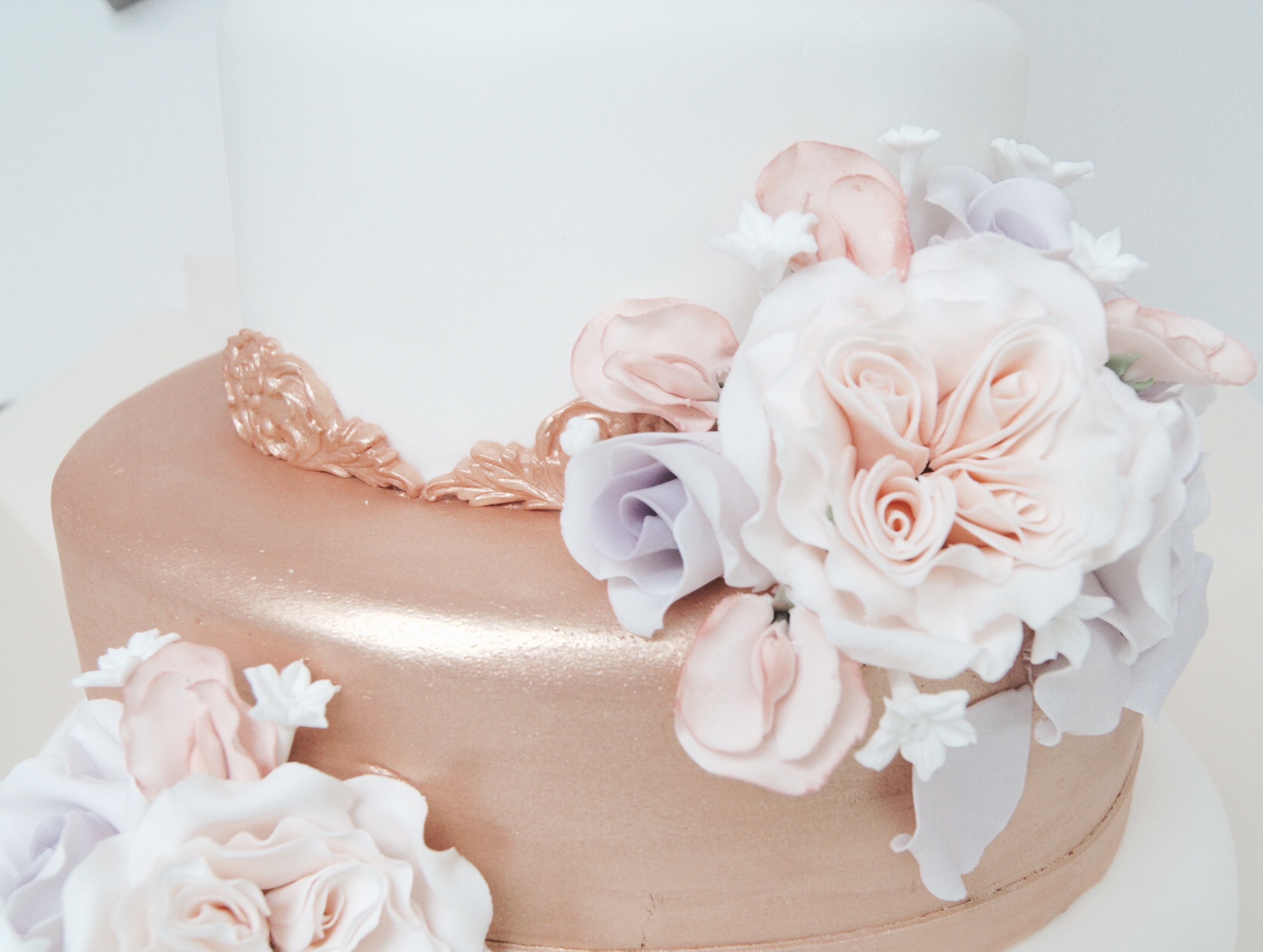 Modern Wedding Cakes Brentwood Pictures - The Wedding Ideas ...