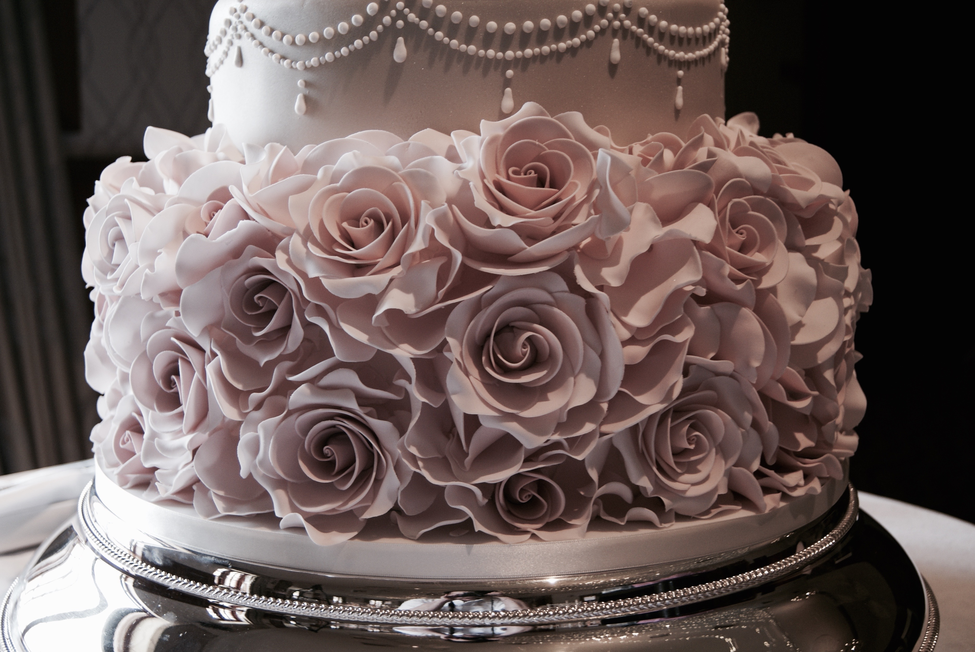 dummy  fake  tiers in wedding cakes