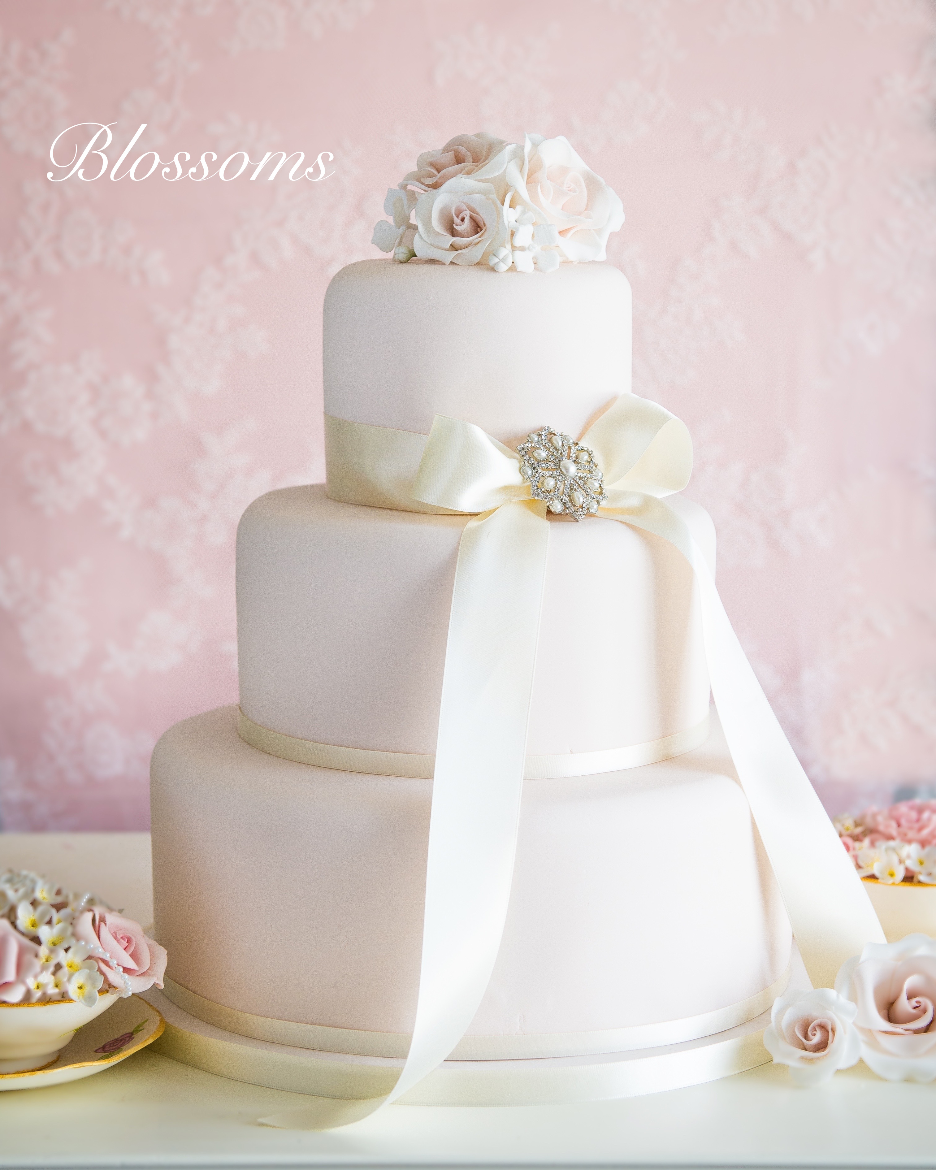 Simply Elegant Wedding Cakes - Hall of Cakes
