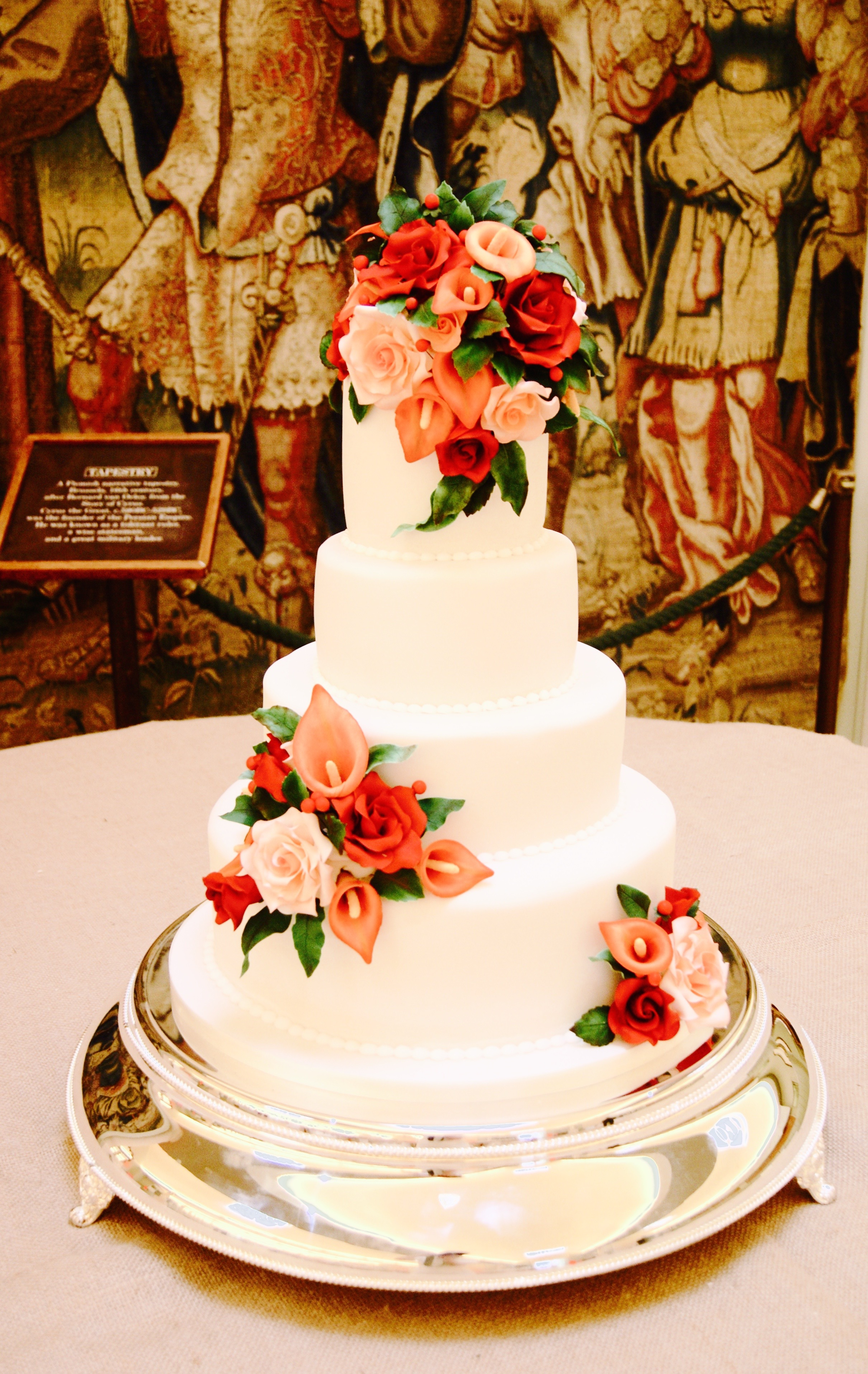 Autumnal Wedding Cakes Hever Castle Hall Of Cakes