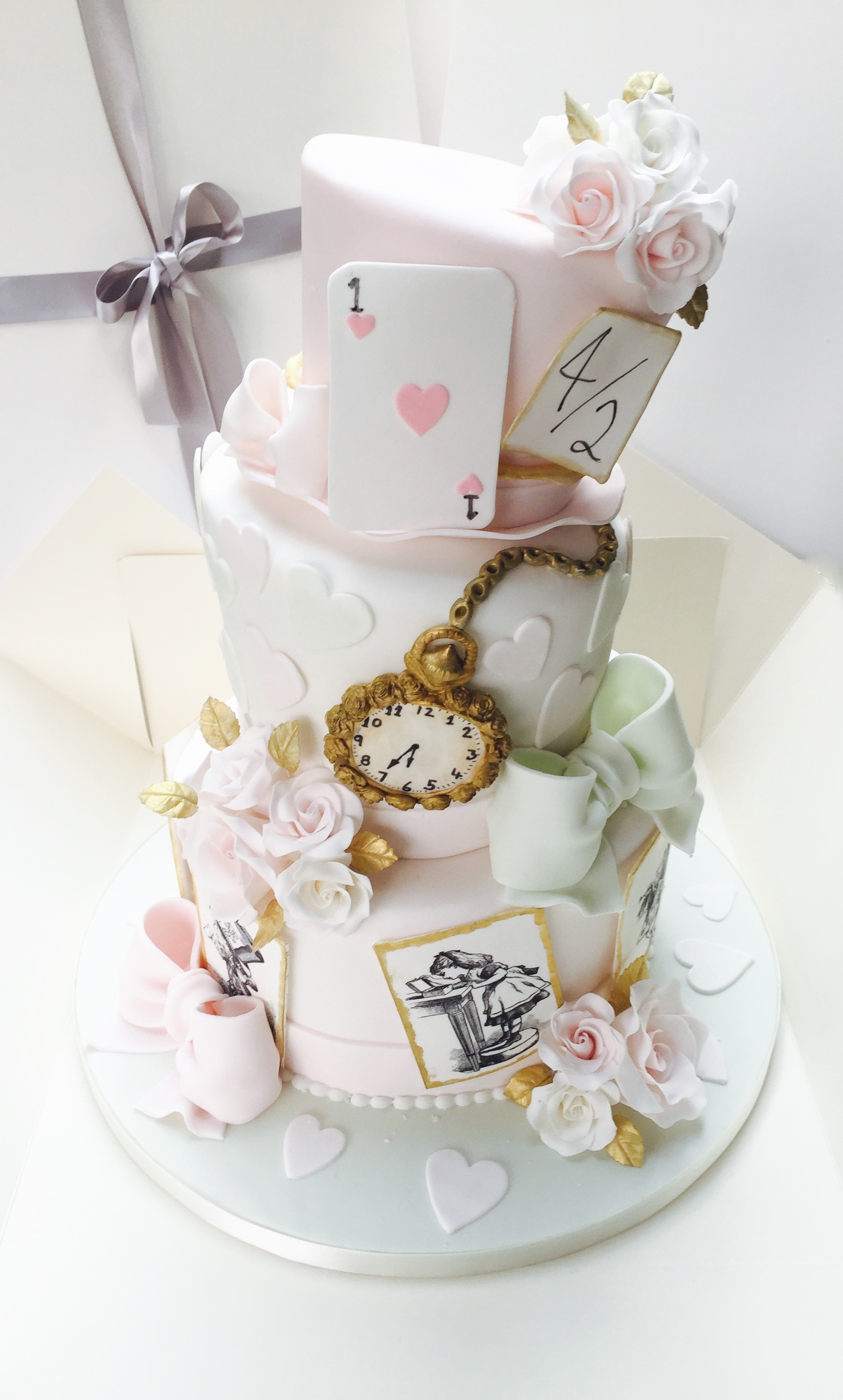 Alice in Wonderland Cakes! - Hall of Cakes