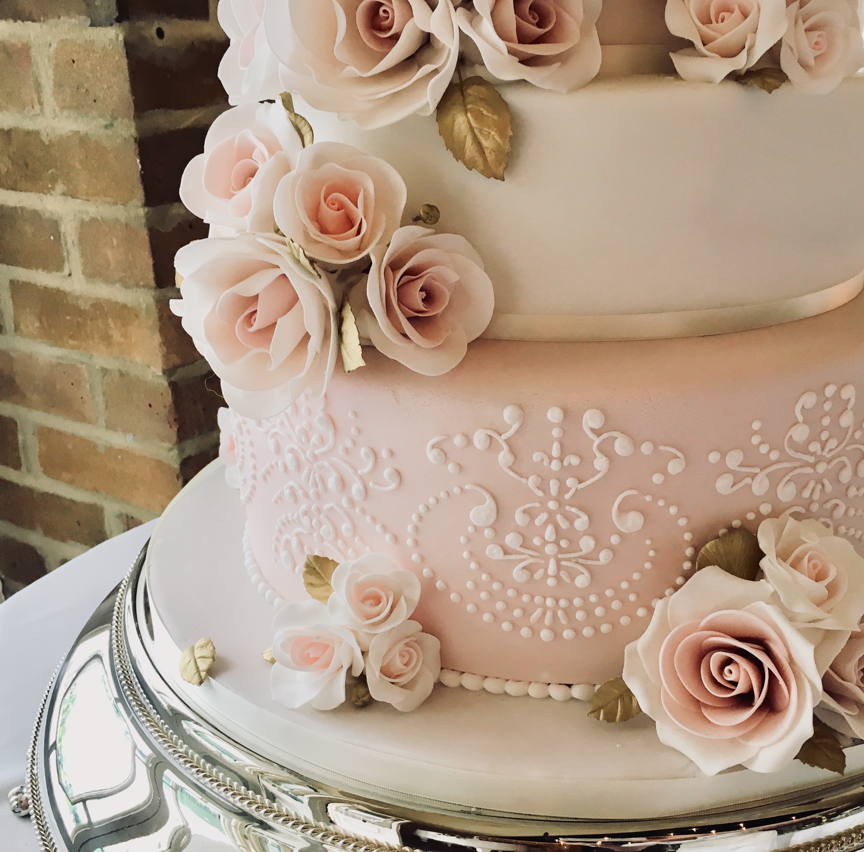 45 Wedding Cakes With Sugar Flowers That Look Stunningly: Essex Wedding Cakes