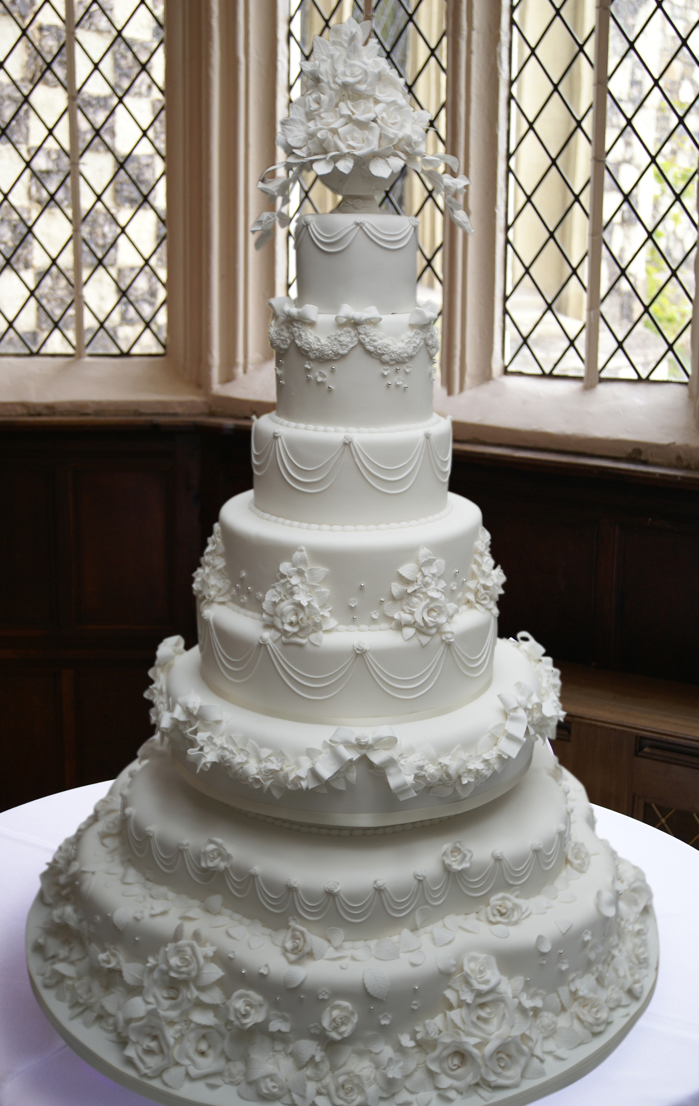 top tier of wedding cake traditions bespoke wedding cakes of cakes 21071
