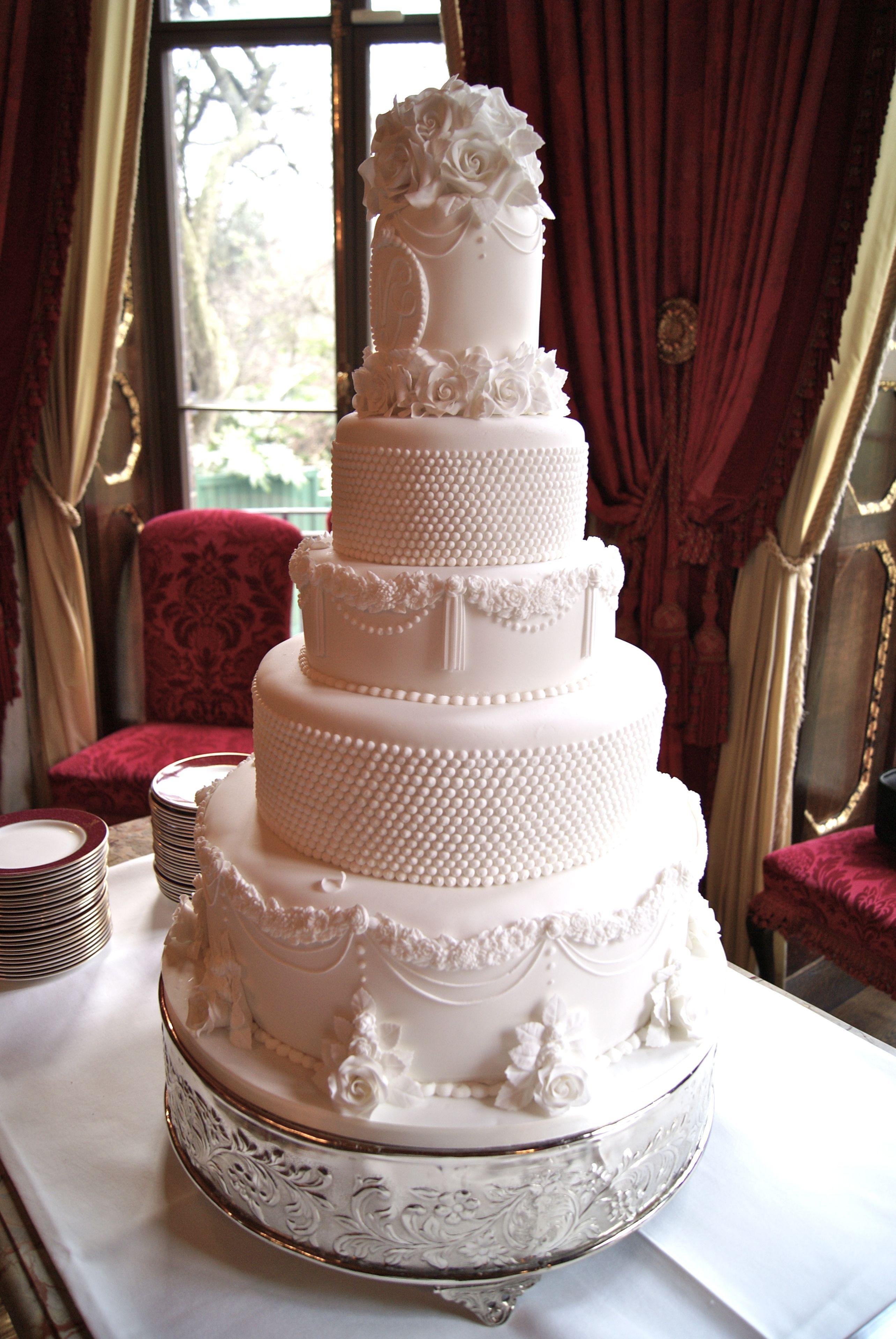 making a wedding cake uk what s the cost of a wedding cake of cakes 17054
